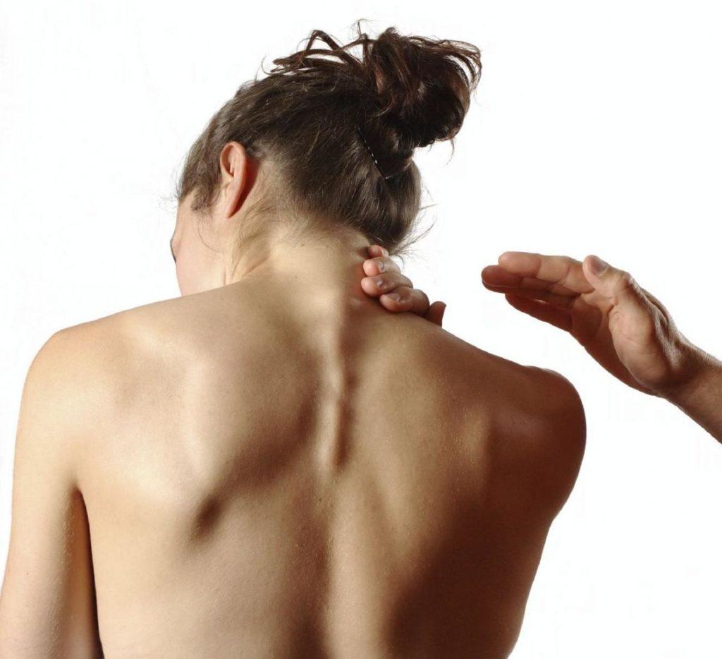 Болит шея с правой стороны: причины, лечение 4